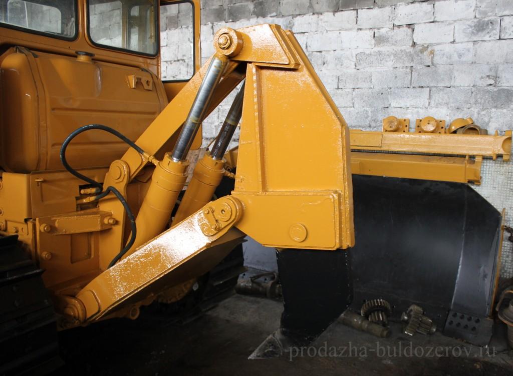Рыхлительное оборудование бульдозера Т-130.