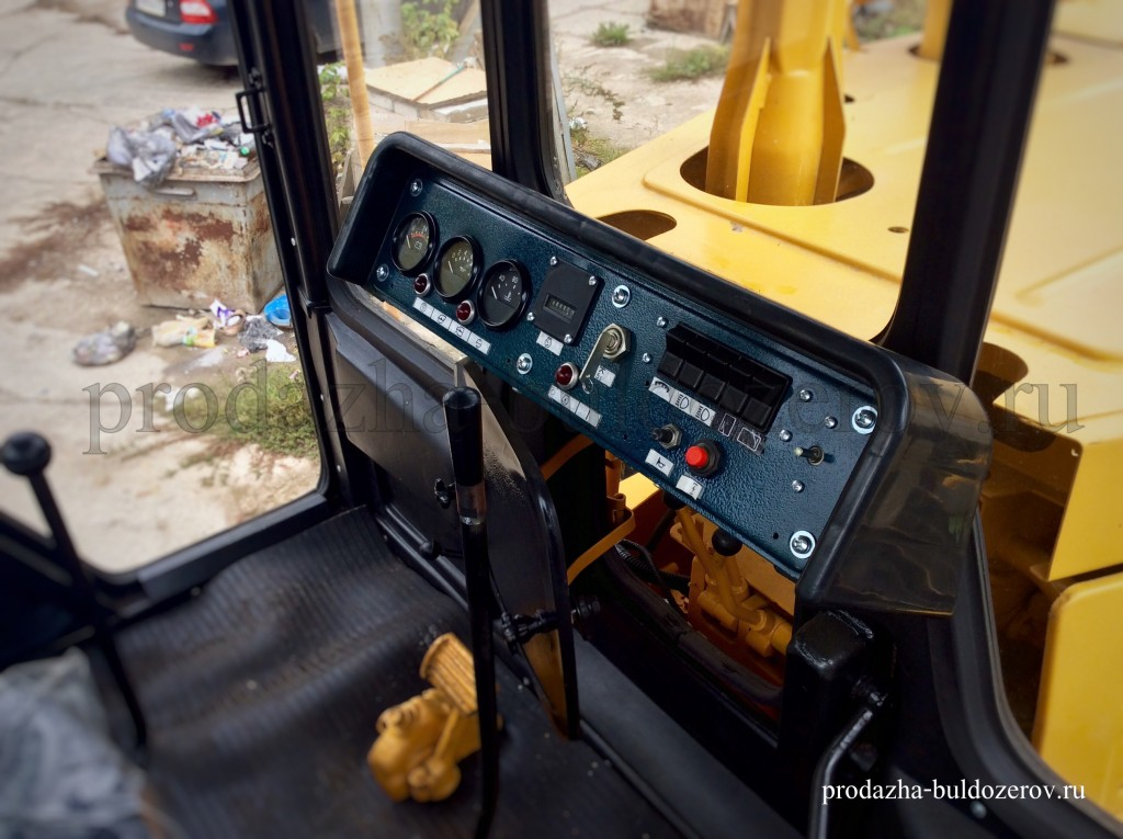 Панель управления бульдозера Б10М.
